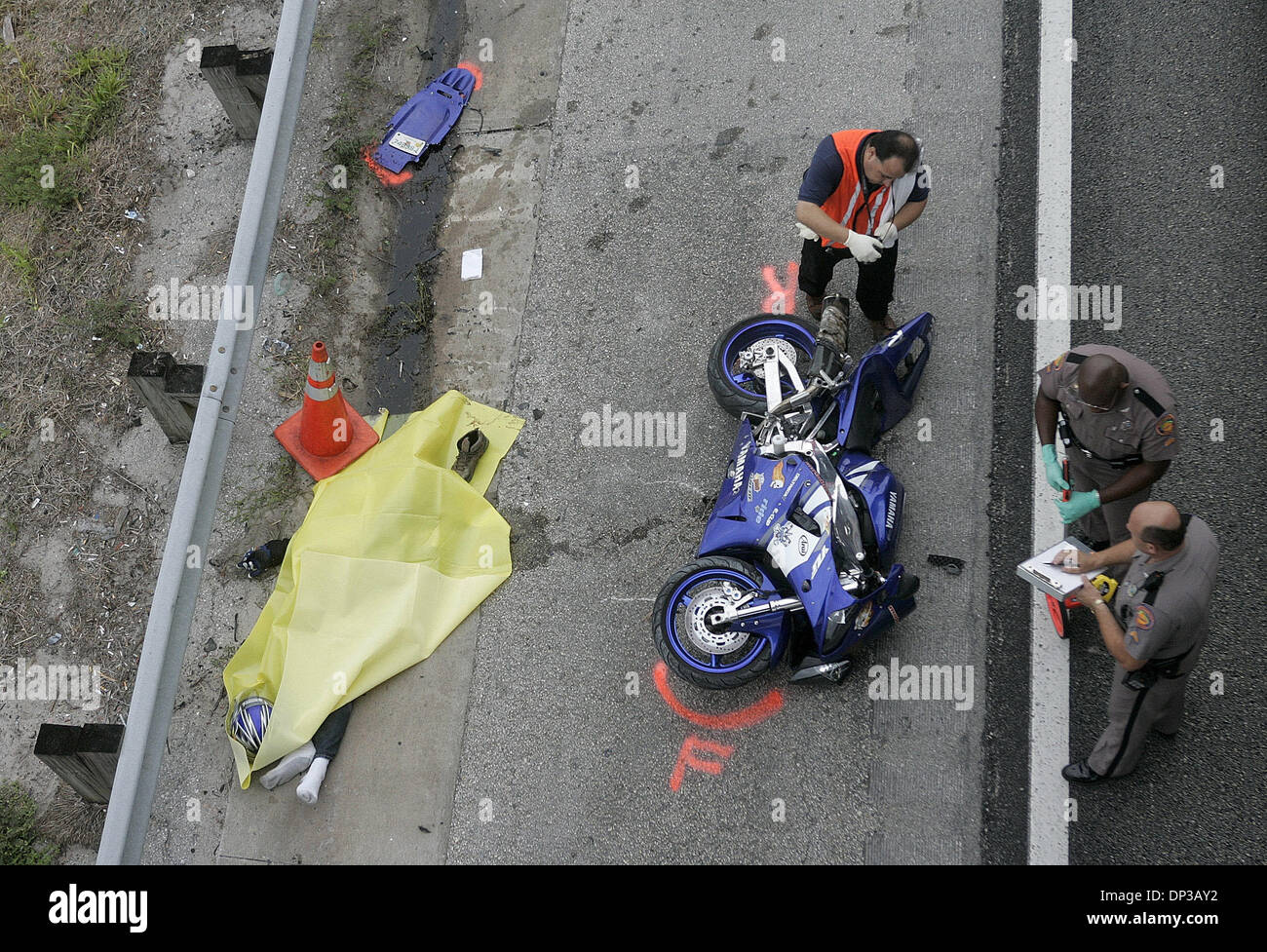 Florida Highway Patrol Traffic >> Jun 26, 2006; Palm Beach Gardens, FL, USA; A fatal motorcycle Stock Photo: 65227990 - Alamy
