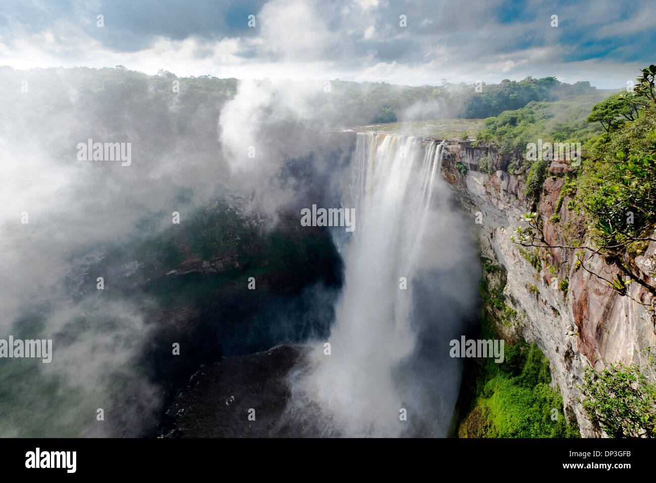 Kaieteur Falls, Kaieteur National Park, Guyana, Potato River, Combines huge volume of water with 822 foot drop - Stock Image