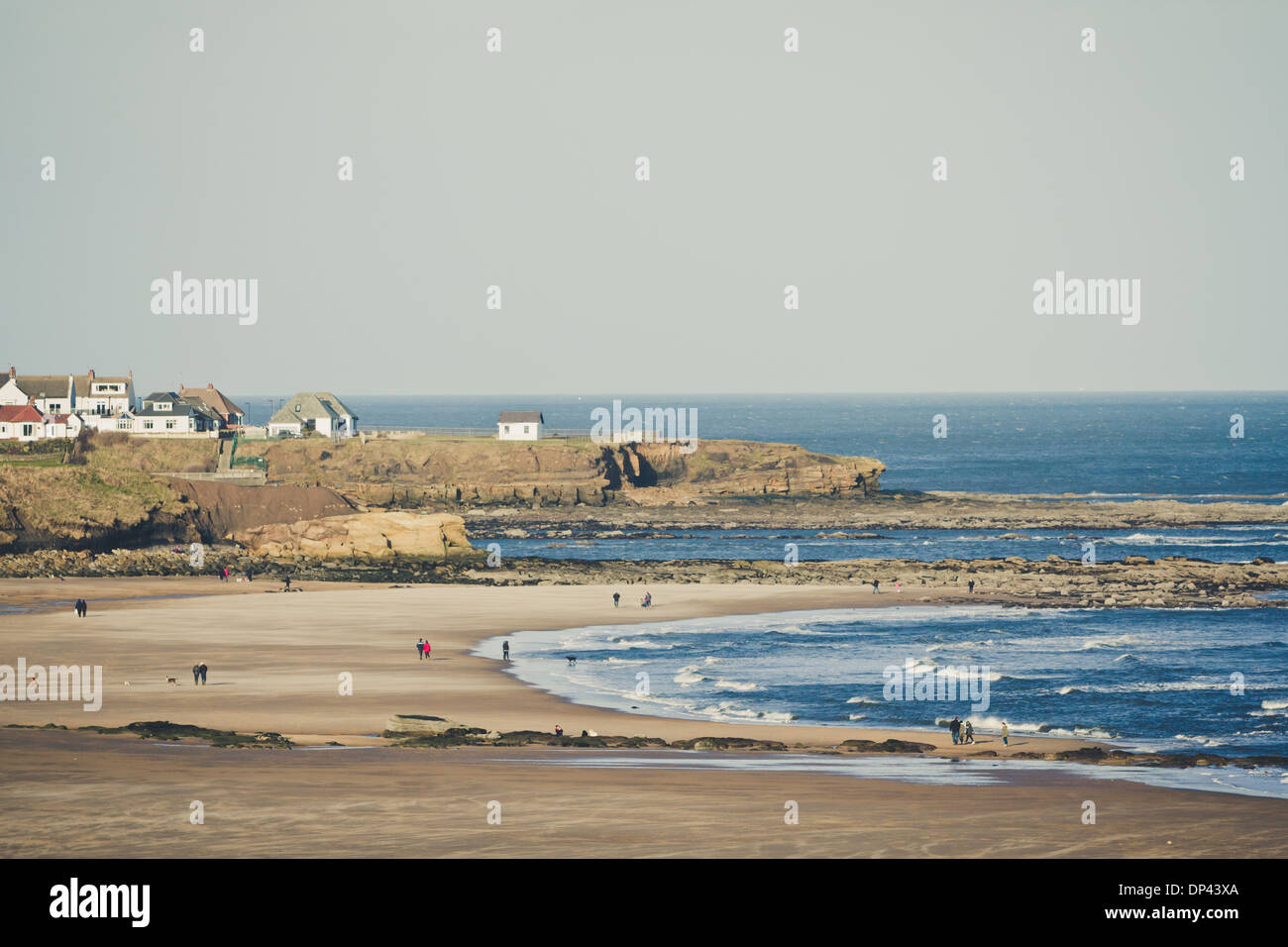 Tynemouth beach stock photos tynemouth beach stock images alamy for Waves swimming pool whitley bay