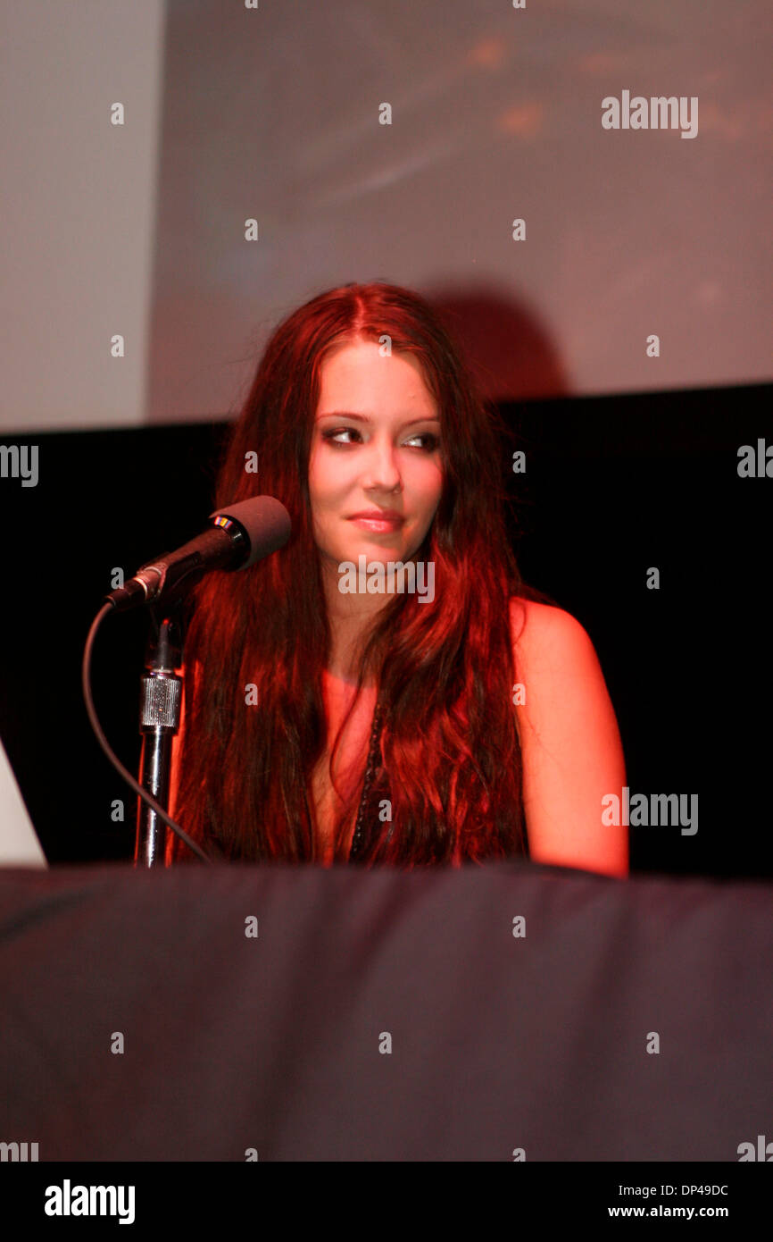 Jul 31, 2006; New York, NY, USA; Singer MARION RAVEN at press conference held by her band Meat Loaf held for the release of 'Bat Out of Hell 3' at Avalon in New York. Mandatory Credit: Photo by Aviv Small/ZUMA Press. (©) Copyright 2006 by Aviv Small - Stock Image