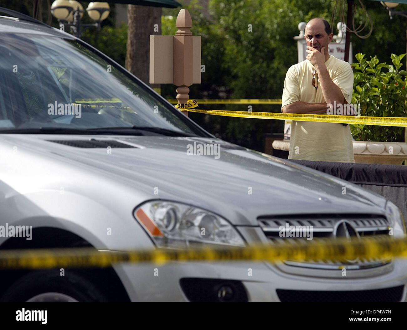 Car Wash Boca Raton >> Aug 25 2006 Boca Raton Fl Usa The Owner Of A Mercedes