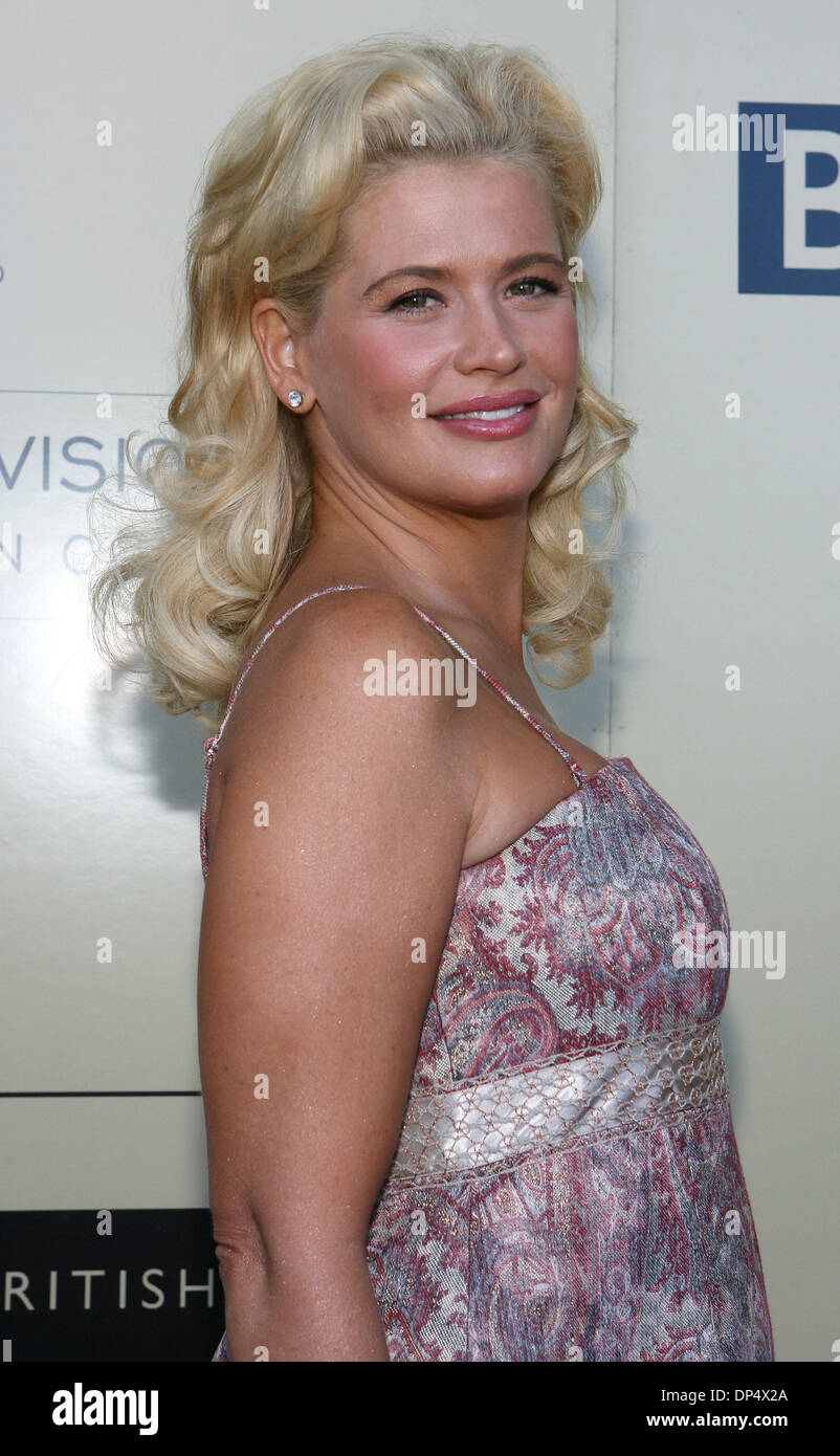 Aug 26, 2006; Century City, CA, USA; Actress KRISTY SWANSON arrives at the BAFTA/LA-Academy of Television Arts and Sciences Tea Party at the Century Hyatt. Mandatory Credit: Photo by J. P. Yim/ZUMA Press. (©) Copyright 2006 by J. P. Yim - Stock Image