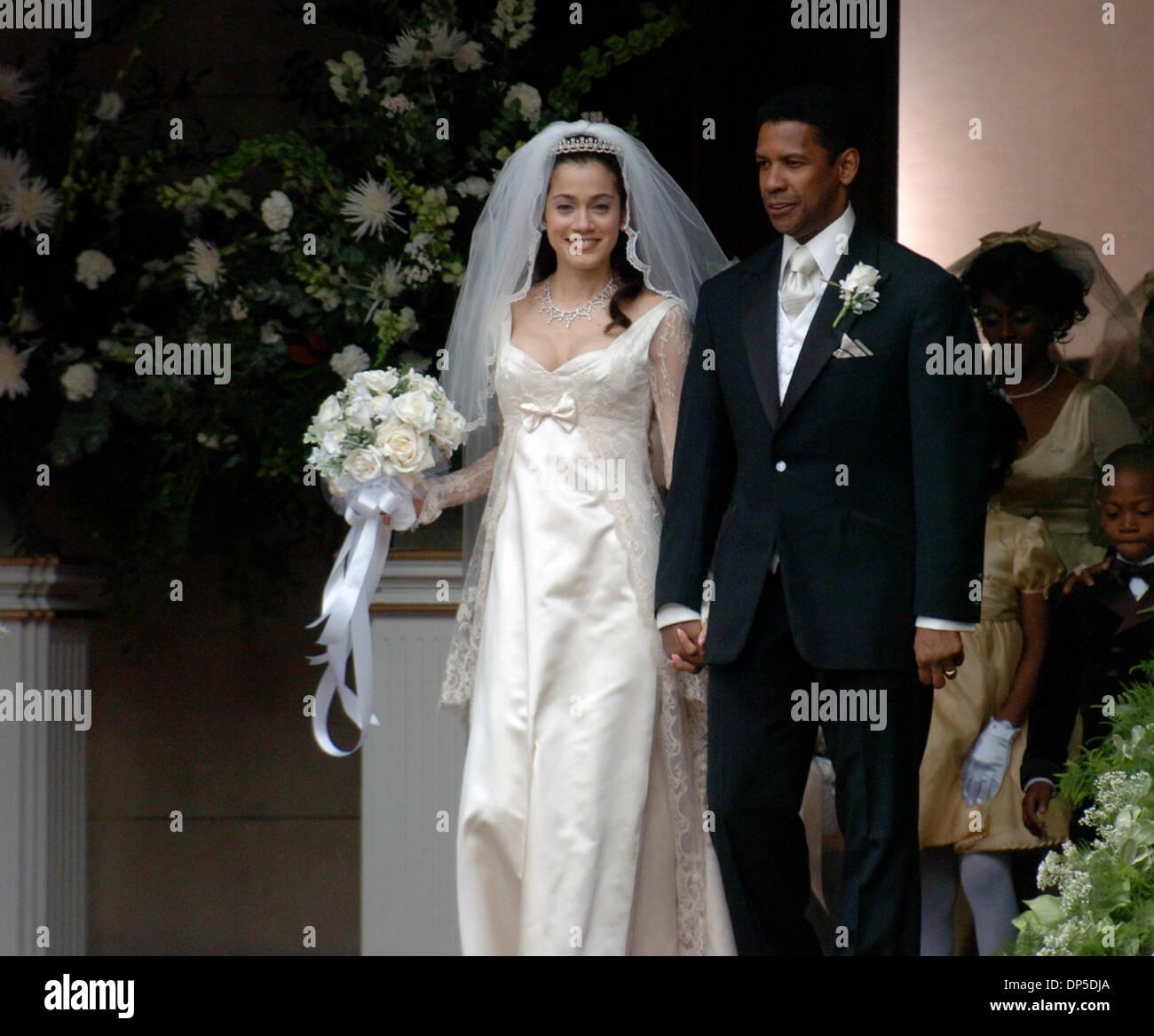 American Wedding Cast: Sep 13, 2006; Manhattan, NY, USA; Actors DENZEL WASHINGTON