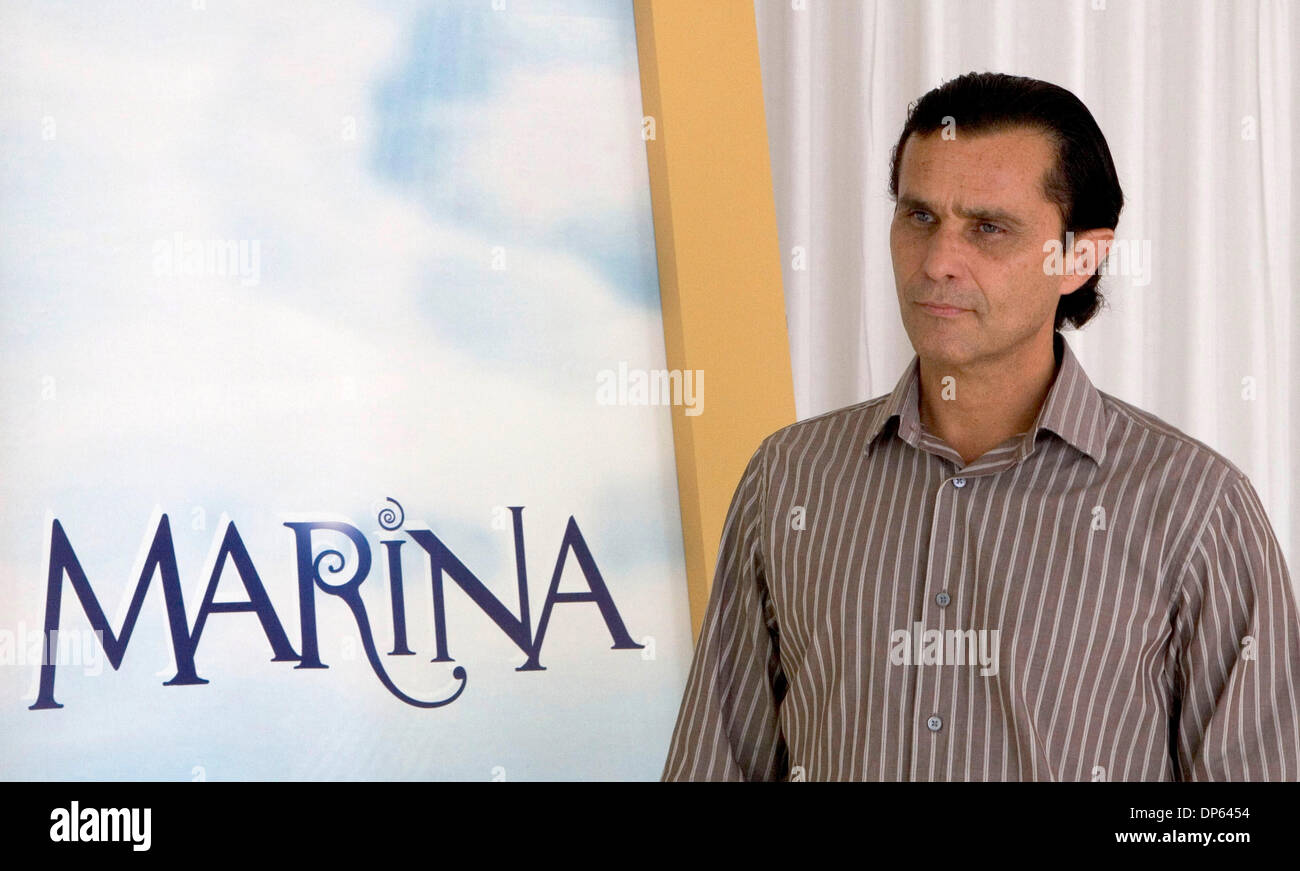 Oct 05, 2006; Los Angeles, CA, USA; HUMBERTO ZURITA of the new upcoming TV novela 'Marina' pose for a picture in Los Angeles. Mandatory Credit: Photo by Armando Arorizo/ZUMA Press. (©) Copyright 2006 by Armando Arorizo - Stock Image