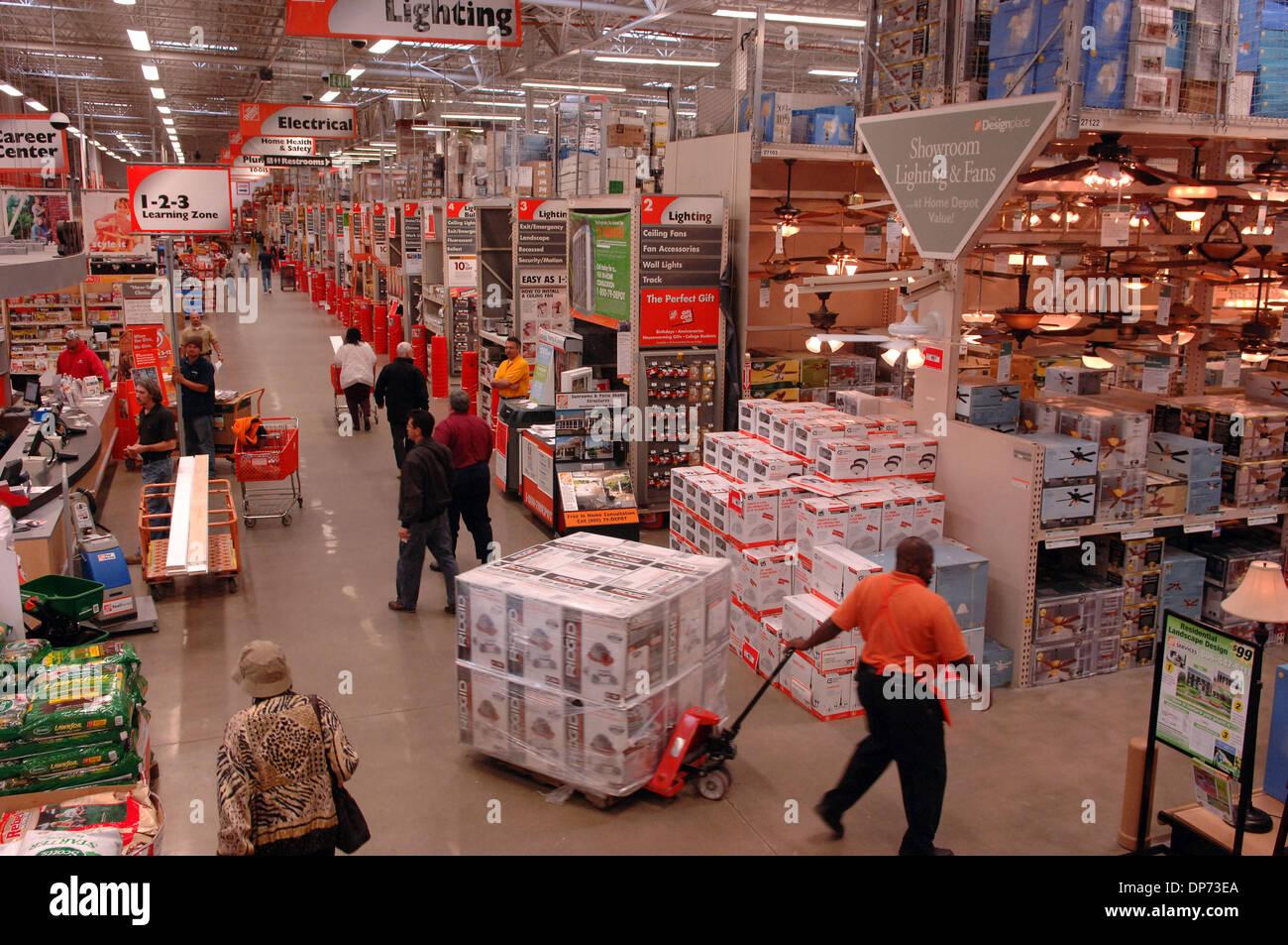 Home Depot Store Interior Stock Photos Amp Home Depot Store