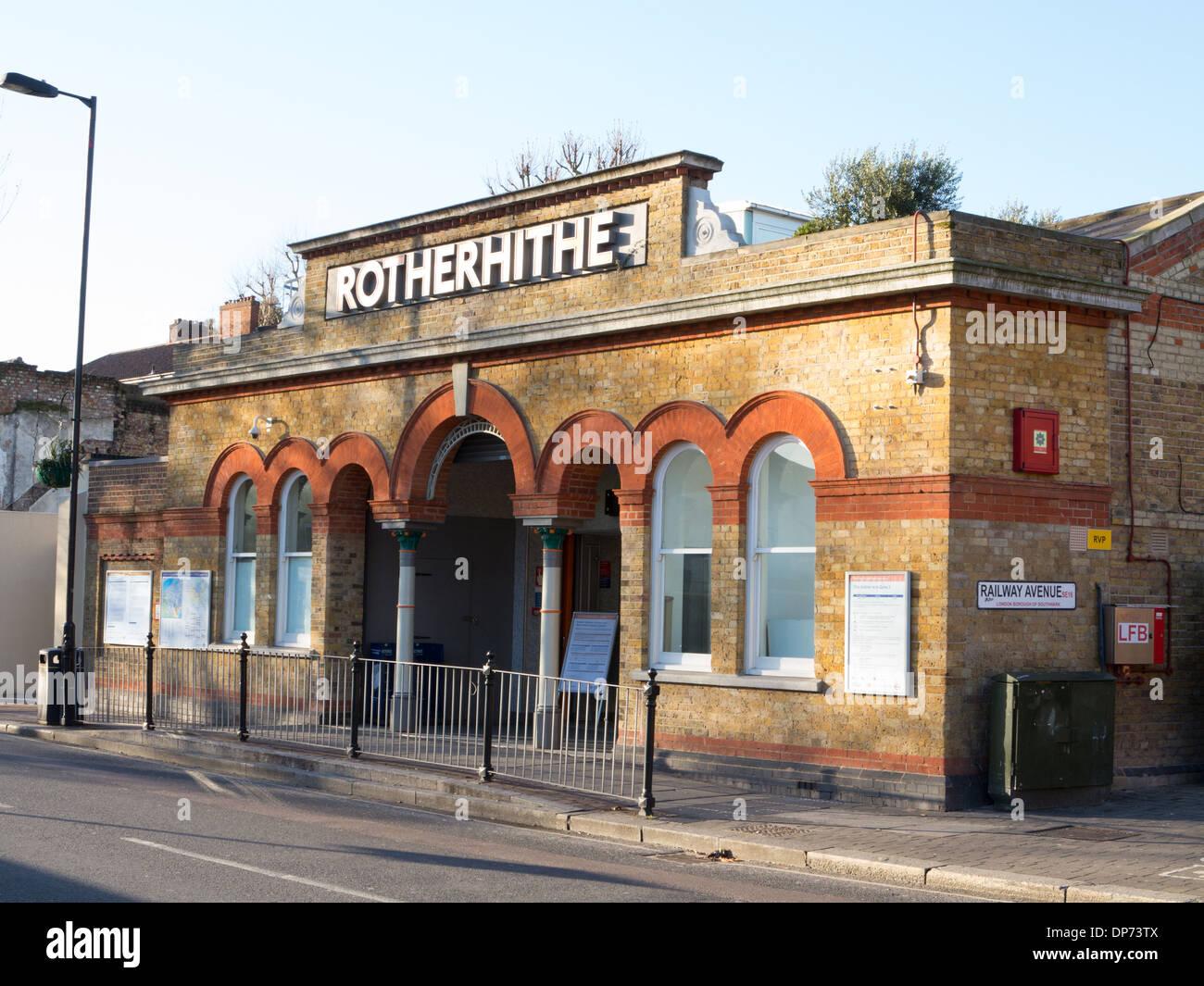Rotherhite Overground railway station - Stock Image
