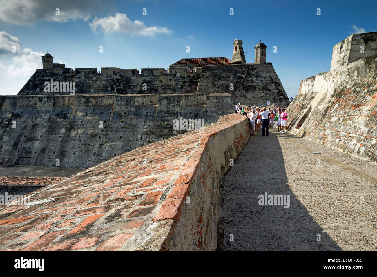 The fortress - Castillo San Felipe de Barajas - on the hill of San Lazaro towers above Cartagena city in Colombia - Stock Image