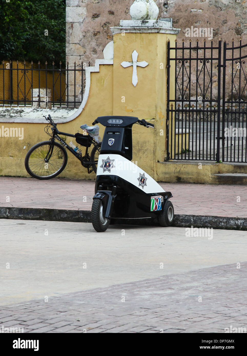 a three wheeled police scooter in the Mexican city of Valladolid Mexico - Stock Image