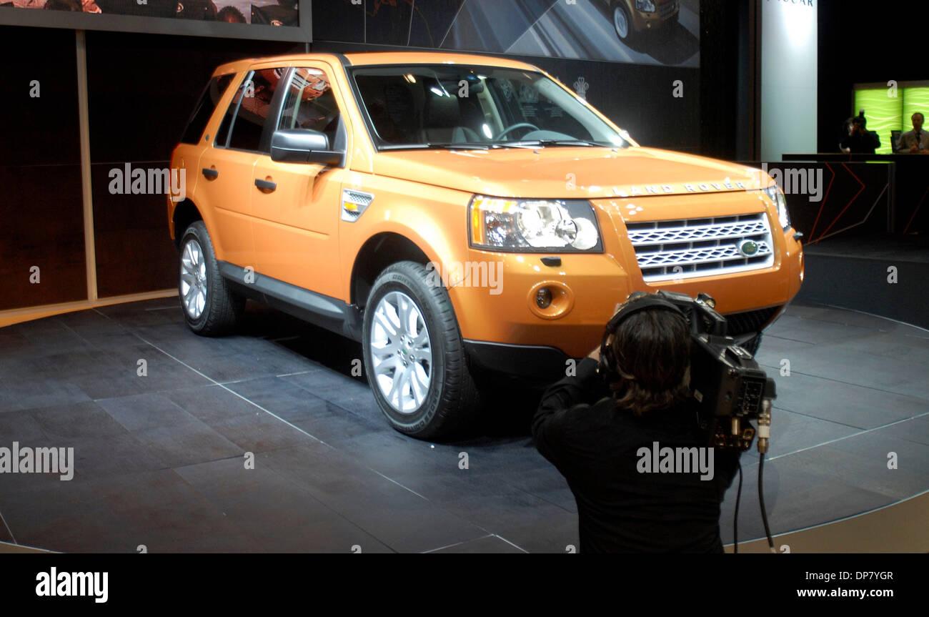 https://c8.alamy.com/comp/DP7YGR/nov-30-2006-los-angeles-ca-usa-land-rover-north-america-unveiled-the-DP7YGR.jpg