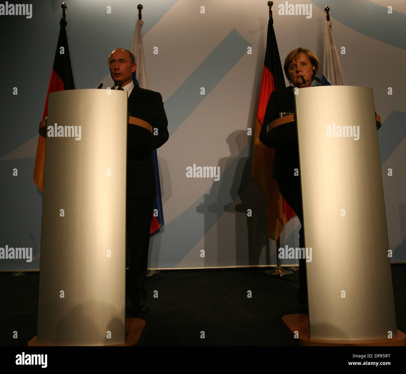 Vladimir Putin and German Chancellor Angela Merkel appeared in Dresden on Tuesday, October 10, 2006.Putin arrived in Dresden, the east German city where he served as a KGB agent in the 1980s, for talks with Merkel amid German concerns about the reliability of partnership with Russia.      (Credit Image: © PhotoXpress/ZUMA Press) RESTRICTIONS: North and South America Rights ONLY! - Stock Image