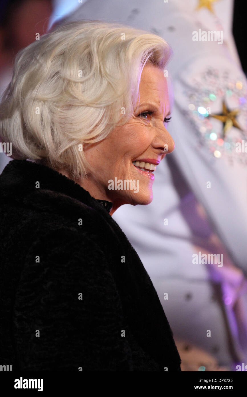 Honor Blackman High Resolution Stock Photography and ...