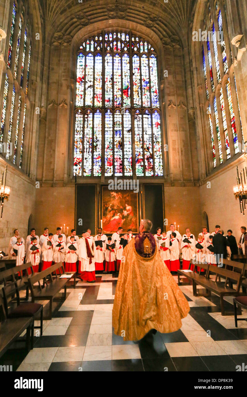 KING\'S COLLEGE CHOIR REHEARSING FOR THE CHRISTMAS EVE CAROL SERVICE ...