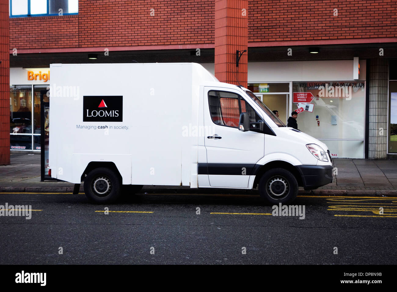 94b0a94b059270 A Loomis security van in Leicester