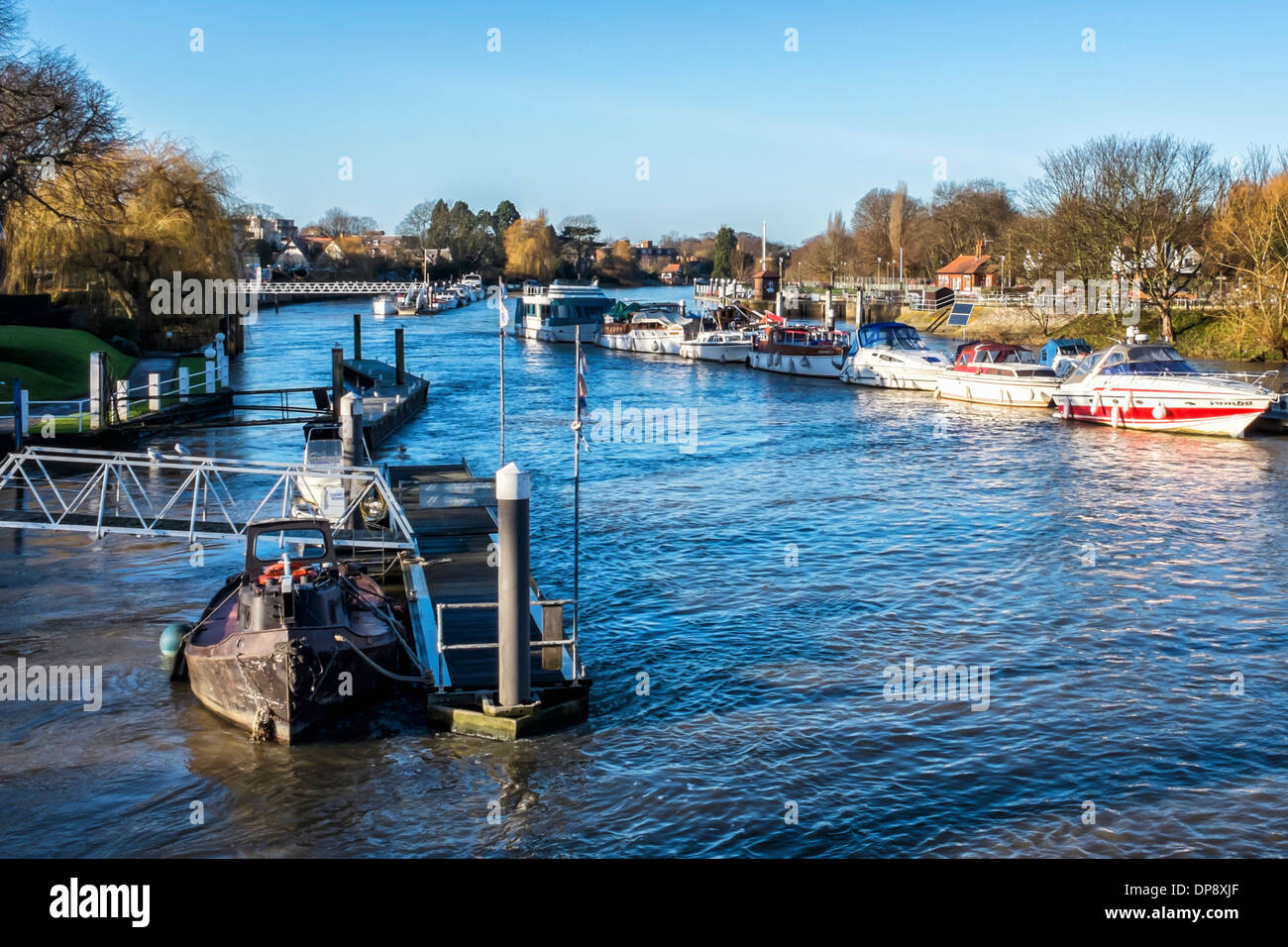 Boats on the Thames river at the Teddington Lock, Greater London Stock Photo