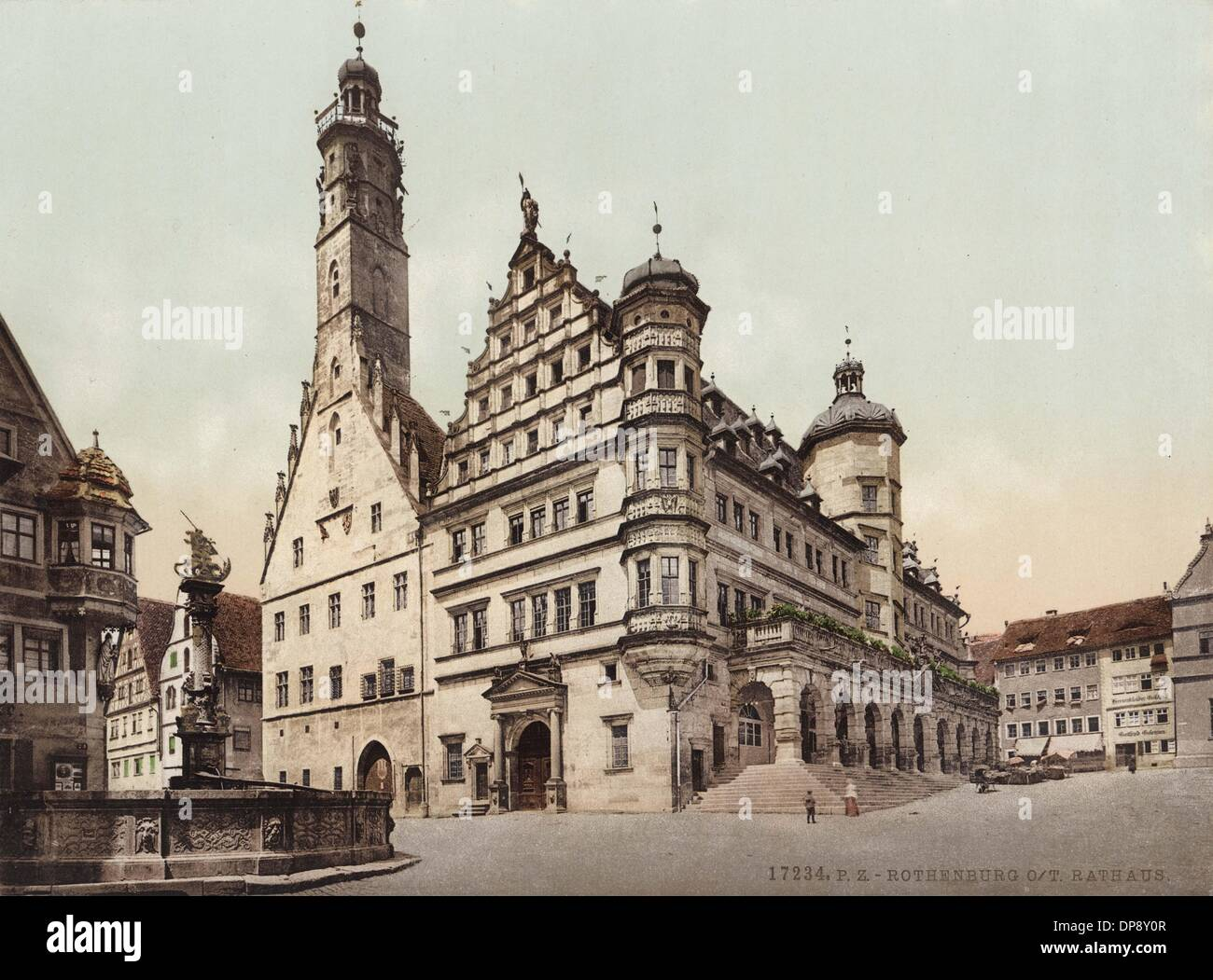 The historical photograph from around 1900 shows town hall and market square of Rothenburg ob der Tauber. The gothic part of the town hall was built between 1250 and 1400. The Renaissance part to the right was built from 1572 to 1578. The arcades were added in 1681. Photo: Collection Sauer - Stock Image