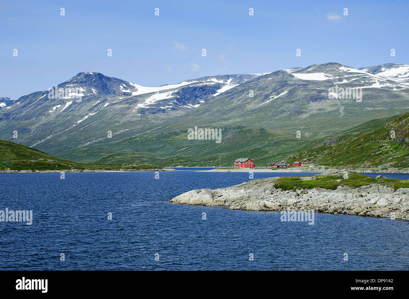 A lodge in Jotunheimen National Park in Norway at lake Bygdin. - Stock Image
