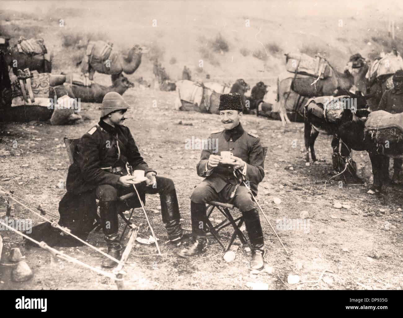 Officers of the Turkish camel cavalry during a coffee break on their march through Syria in 1915. Place unknown. The Sinai and Palestine Campaign was a secondary theatre of war between the Ottoman Empire and Great Britain during World War I (1915-1918). The Ottoman Empire, as a an ally of the Central Powers, was supported by German (Asia Corps) and Austro-Hungarian troops in Palestine. Photo: Berliner Verlag/Archiv - Stock Image