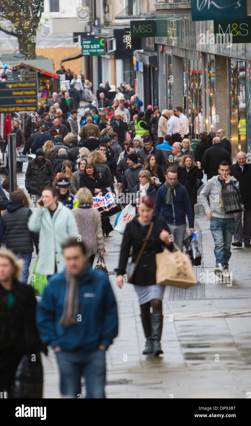 Christmas shoppers in Swansea City Centre. - Stock Image