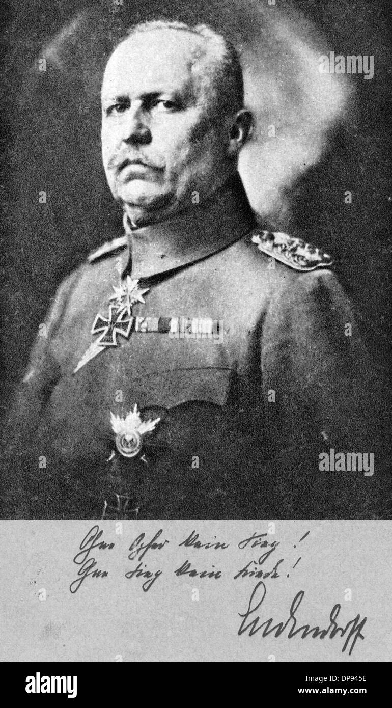 Portrait of German General Erich Ludendorff in a Prussian military uniform on a postcard for the Ludendorff Charity for the War Disabled. The caption in Ludendorff's handwriting reads: 'Without victims no victory! Without victory no peace! - Ludendorff'. Ludendorff (1865-1937) was Quartermaster General and part of the Third Supreme Command of the German Imperial Army in World War I. After the victory of Liege in Belgium, he was awarded the Prussian military decoration Pour le Mérite. Photo: Berliner Verlag/Archiv - Stock Image