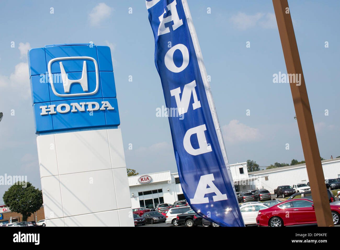 Charming A Honda Dealer Lot In Suburban Maryland.   Stock Image