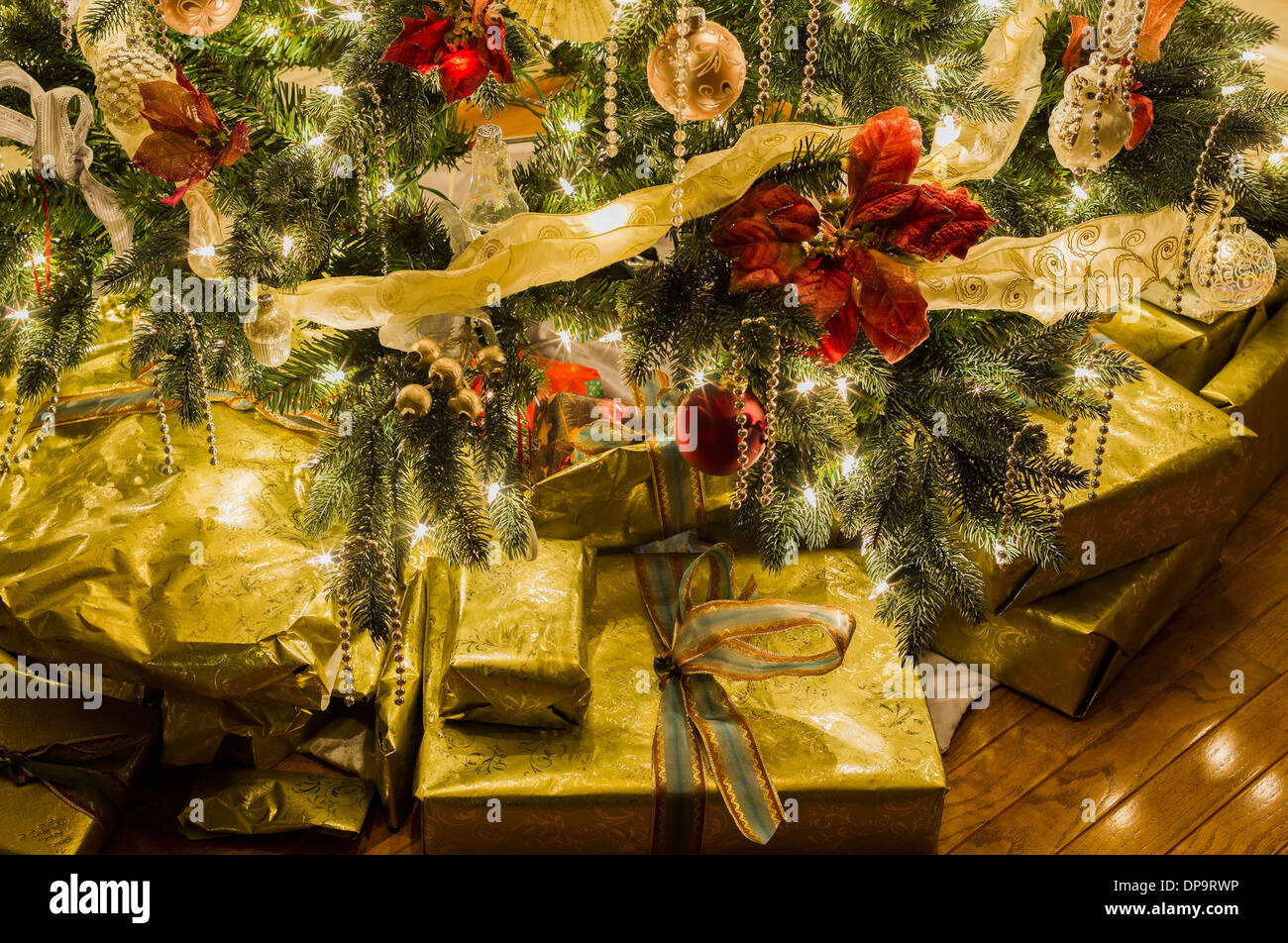 Christmas Gifts Under Decorated Tree Stock Photos & Christmas Gifts ...