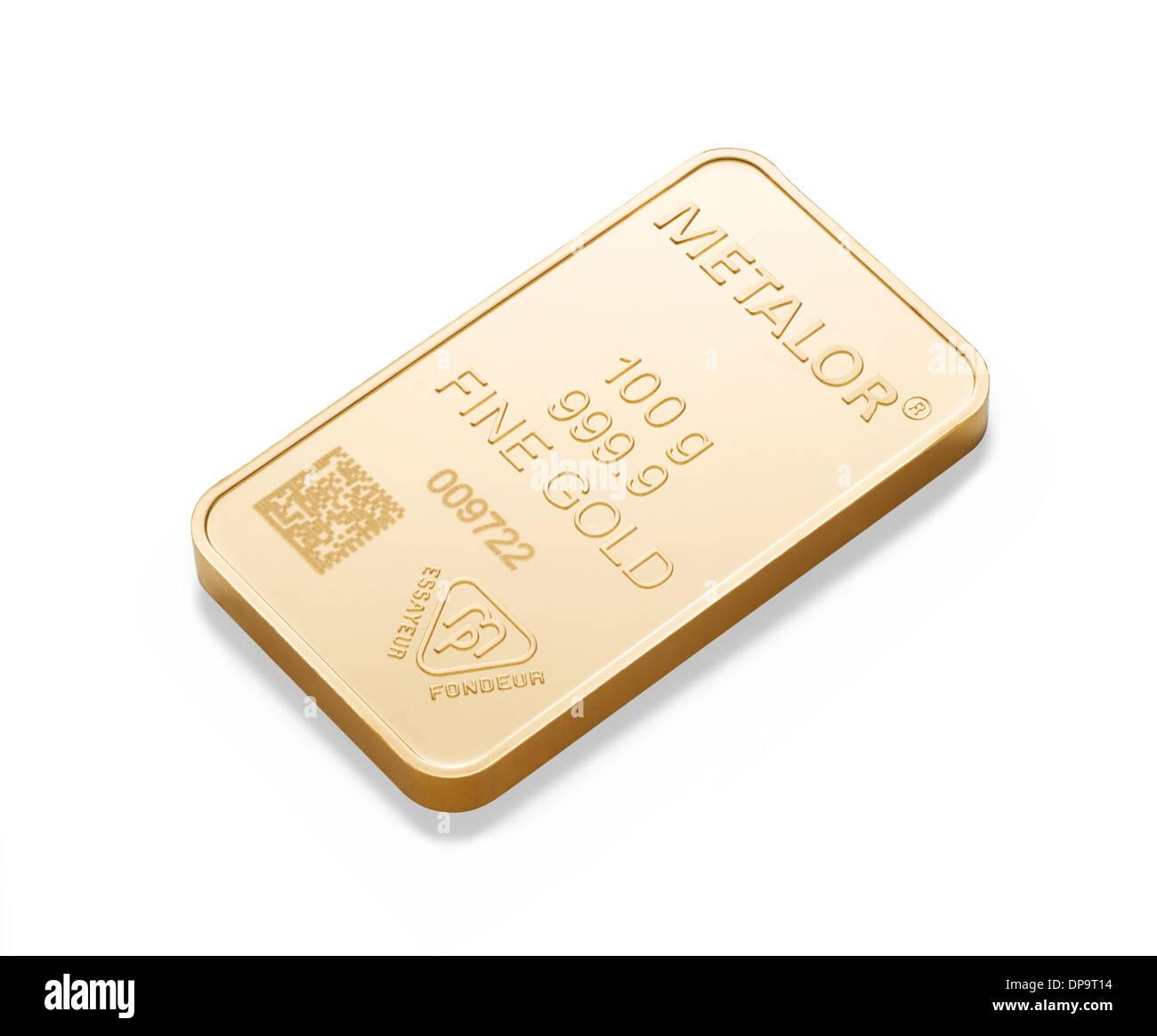 100g gold bar on white background - Stock Image