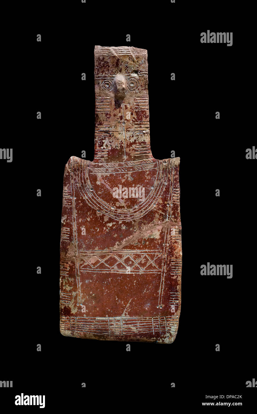 Asexual human figurine shaped plate decorated incisions Vounous Cyprus to 2500-2000 BC terracotta - Stock Image
