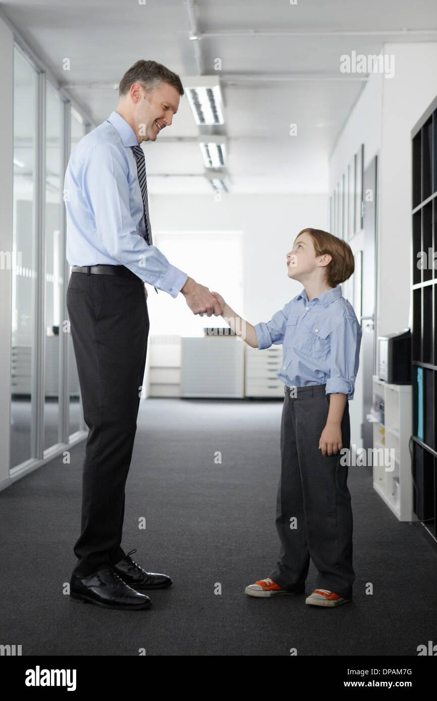 tall man with short man
