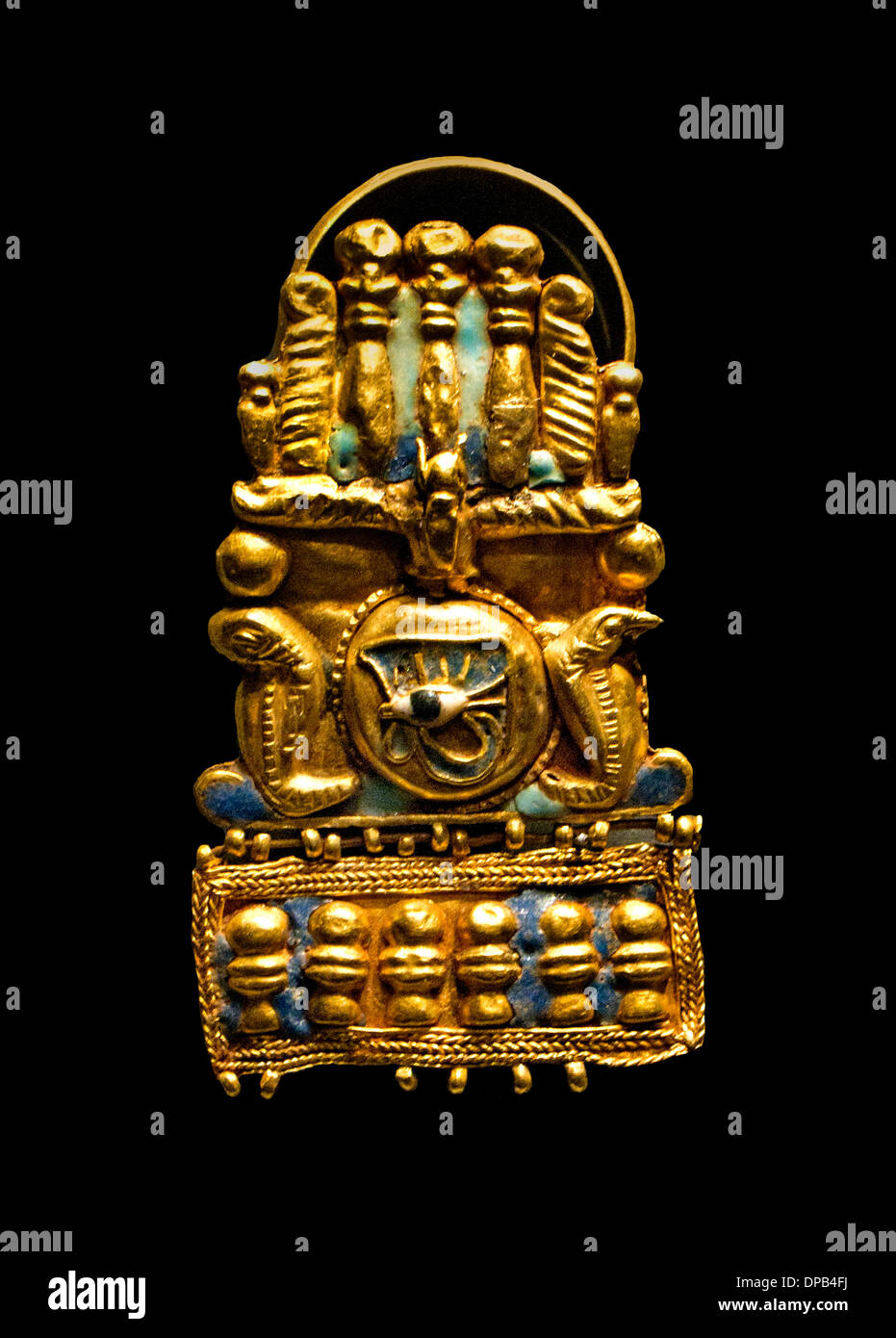 Ring with depiction of a crowned sun disk, from the funerary treasure of Meroe (Sudan) 1 Cent BC  Egyptian - Stock Image