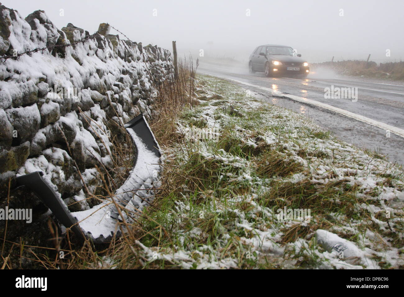 Peak District, Derbyshire, UK. 11th January 2014. 11 Jan 2014  Wintry conditions on the A6187 near Castleton made Stock Photo
