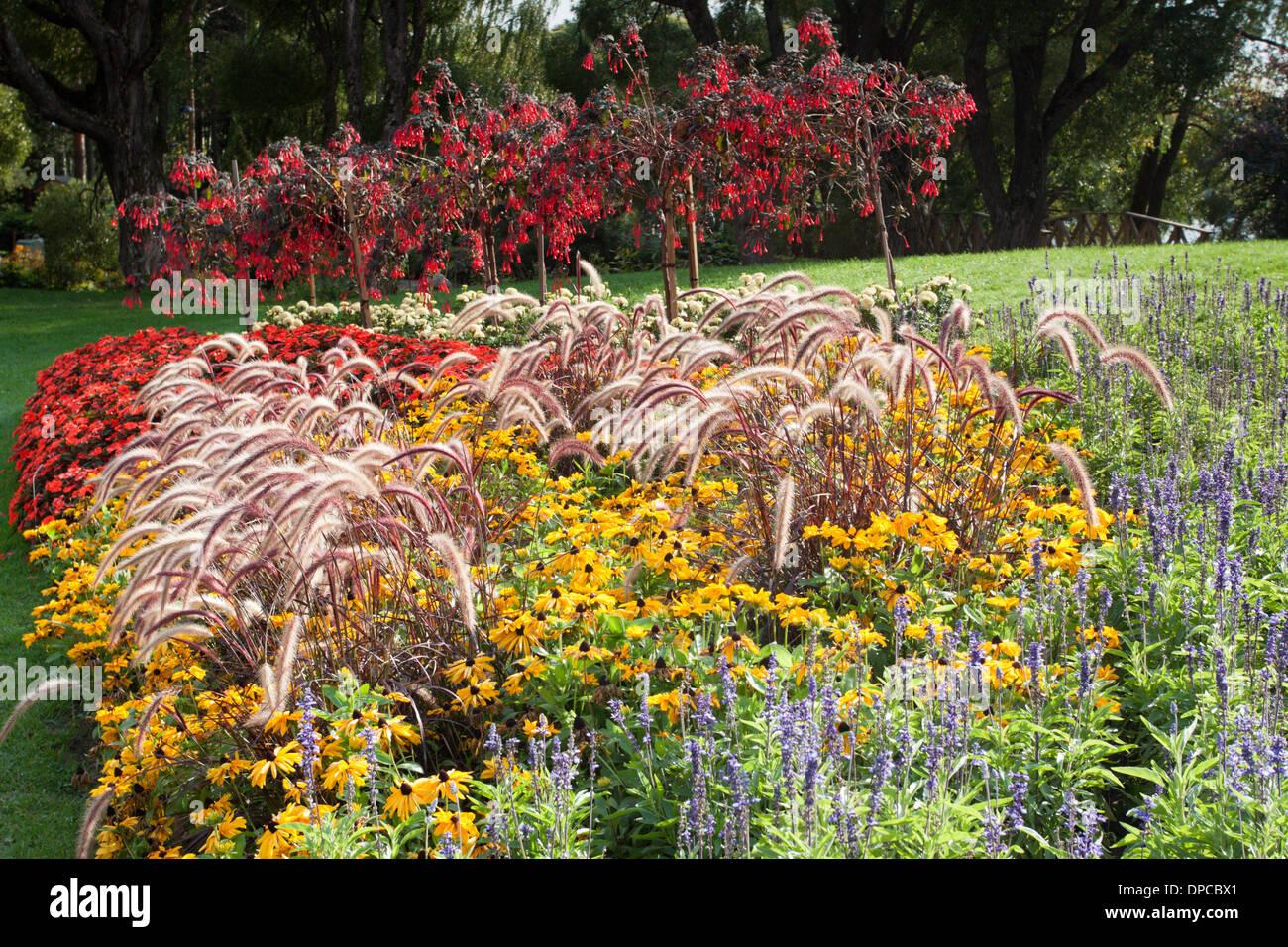 Tampere Arboretum: Flowerbeds - Stock Image