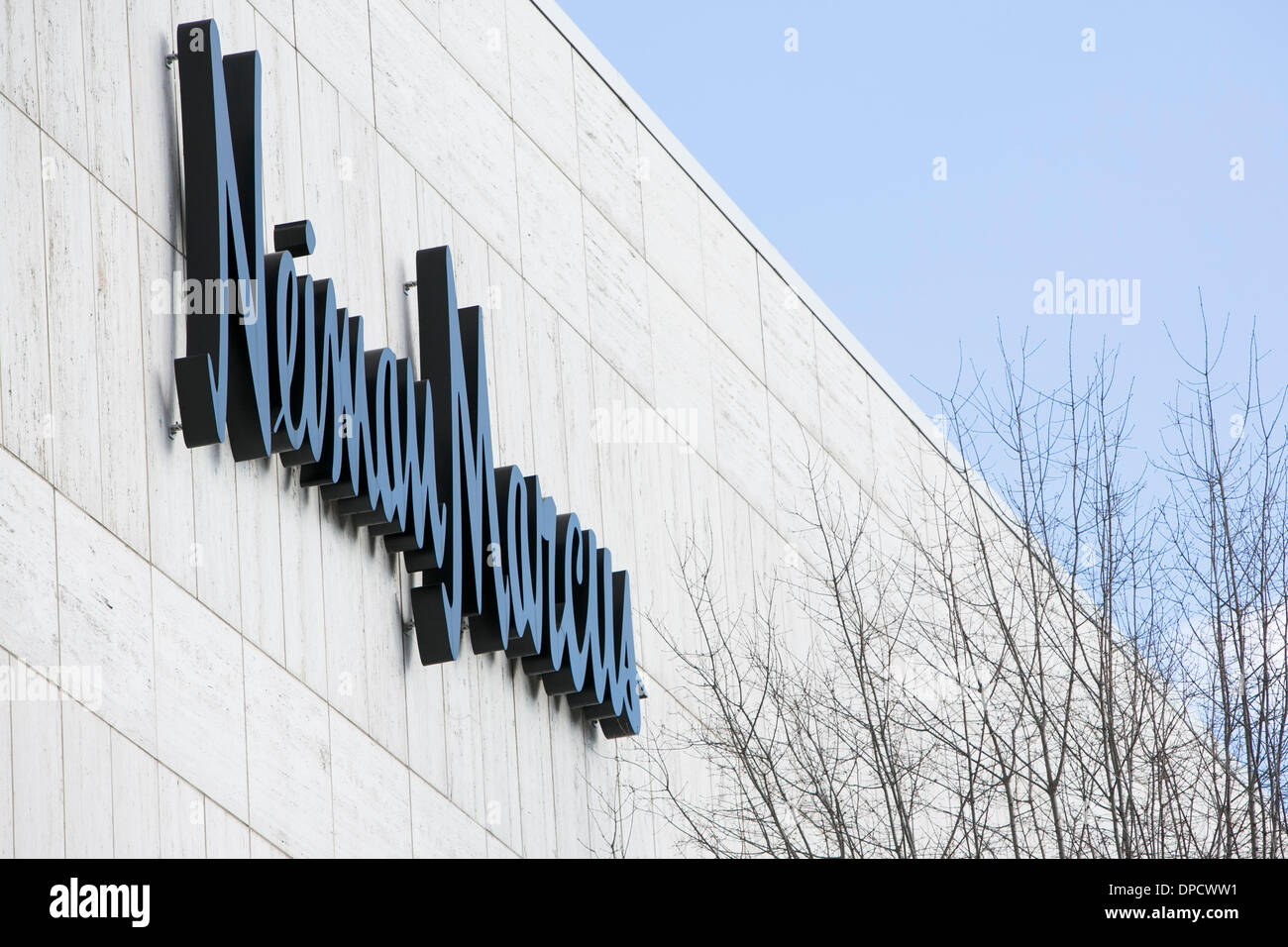 Washington DC, USA. 12th Jan, 2014. A Neiman Marcus store in Washington, D.C. on January 12, 2014. The luxury retailer is the latest retail chain to disclose a breach of customer credit card information. Credit:  Kristoffer Tripplaar/Alamy Live News - Stock Image