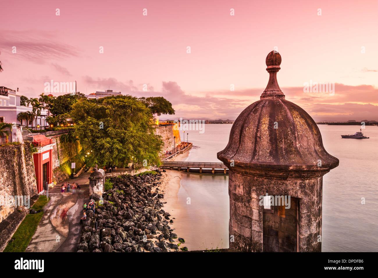 San Juan, Puerto Rico coast at Paseo de la Princesa. - Stock Image