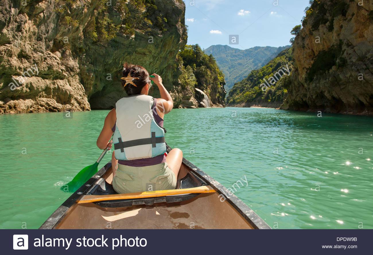 Female canoeist, Canyon du Verdon, Provence, France - Stock Image