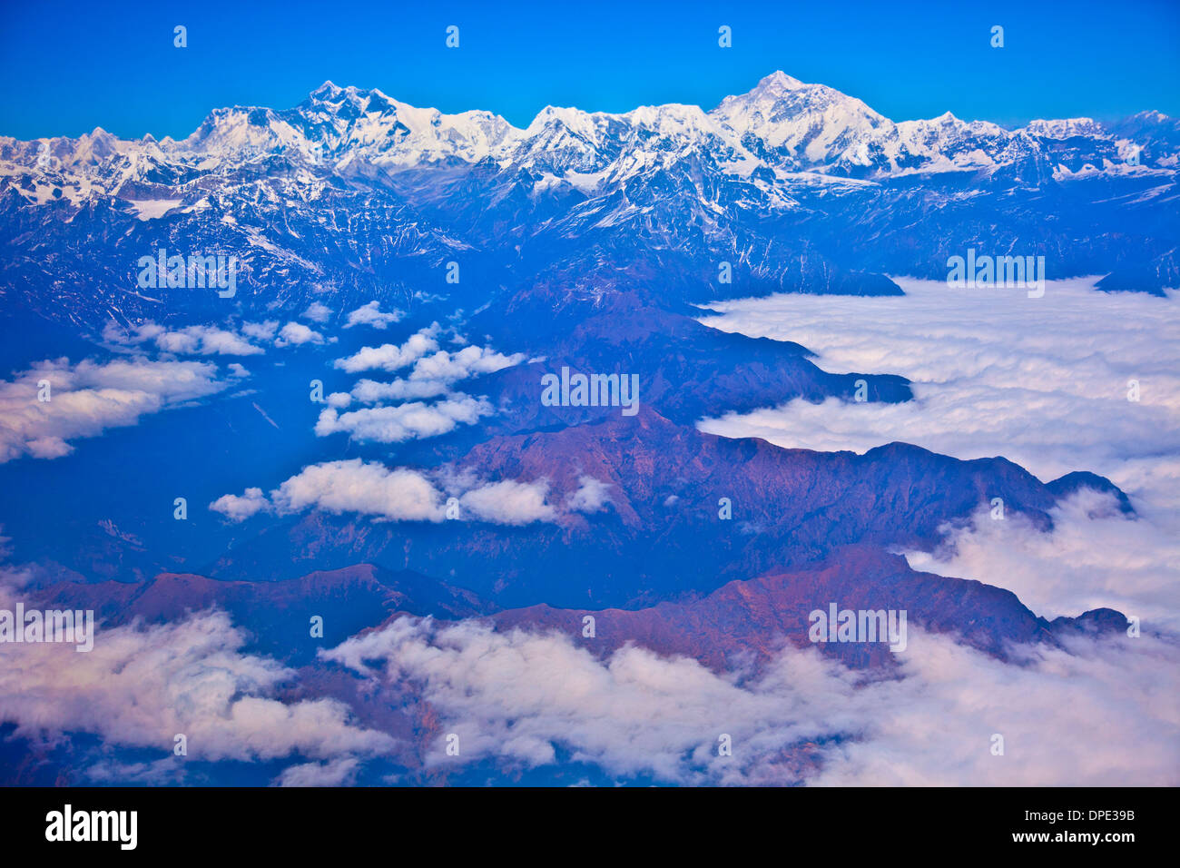 Mt. Everest and surrounding peaks, Sagamatha National Park, Nepal. World's highest mountain, Himalaya Mountains - Stock Image