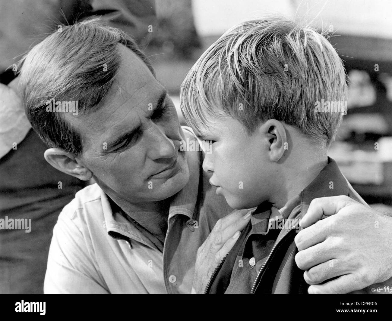 Feb. 27, 2006 - ''GENTLE BEN''.DENNIS WEAVER WITH CLINT HOWARD.SUPPLIED BY   PHOTOS, INC..TV-FILM STILL (Credit Image: © Globe Photos/ZUMApress.com) - Stock Image