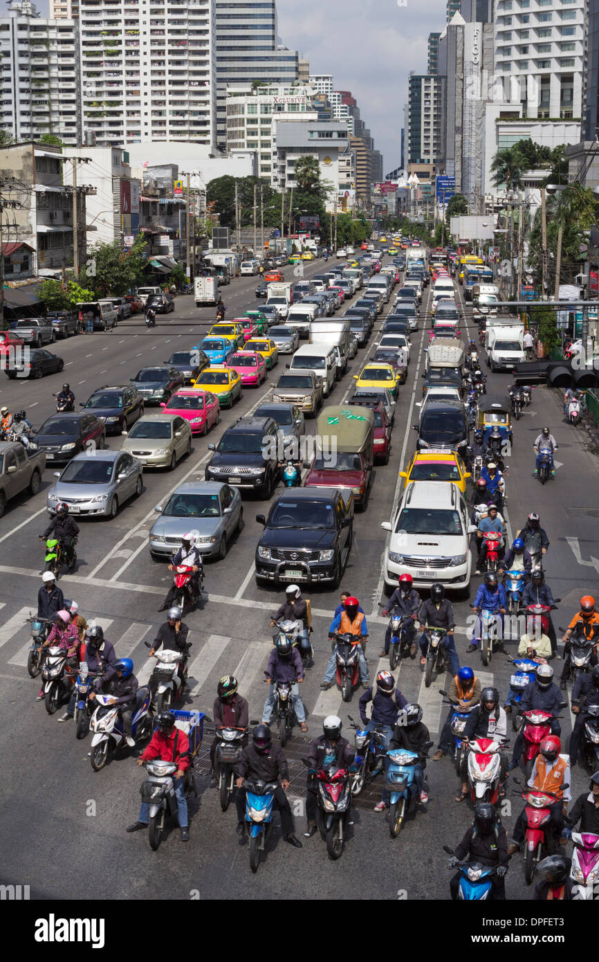 Traffic congestion in downtown area, Bangkok, Thailand, Southeast Asia, Asia - Stock Image