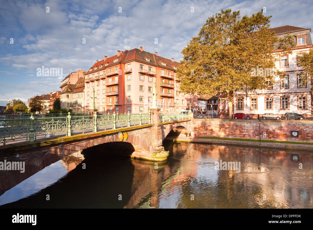 Buildings reflected in the River Ill, Strasbourg, Bas-Rhin, Alsace, France, Europe - Stock Image
