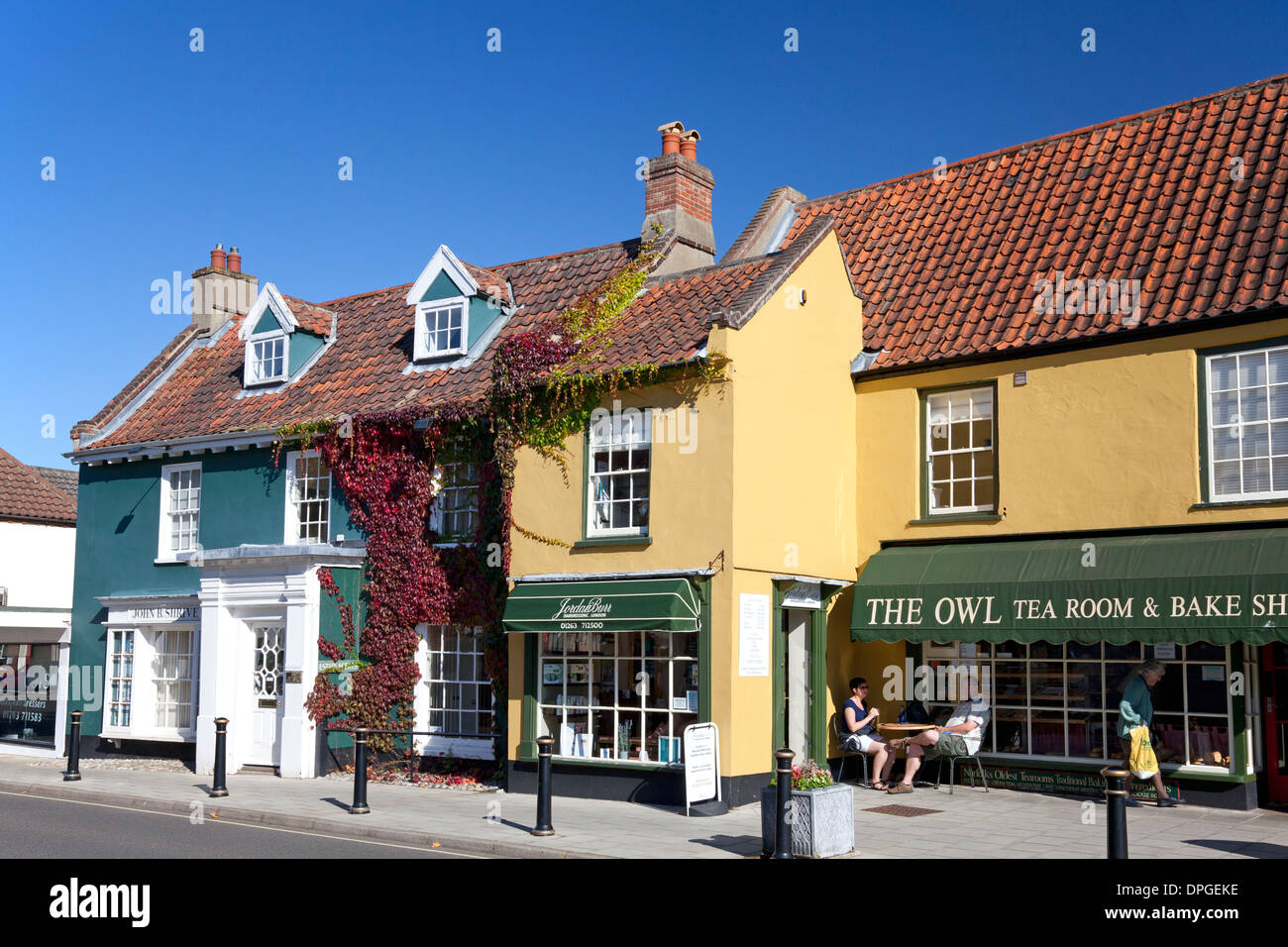 Georgian buildings and tea room in town centre, Holt, Norfolk - Stock Image