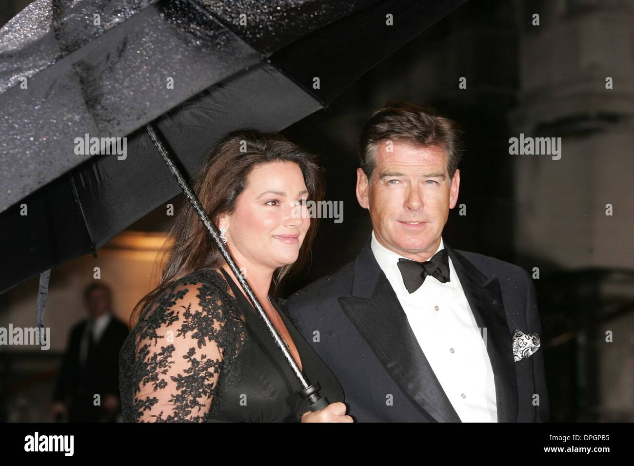 Mar. 24, 2006 - New York, New York, U.S. - ELTON JOHN CELEBRATES HIS 60TH BIRTHDAY.ST. JOHN THE DIVINE CATHEDRAL  03-24-2007.       2007..PIERCE BROSNAN AND WIFE.K52313RM(Credit Image: © Rick Mackler/Globe Photos/ZUMAPRESS.com) - Stock Image
