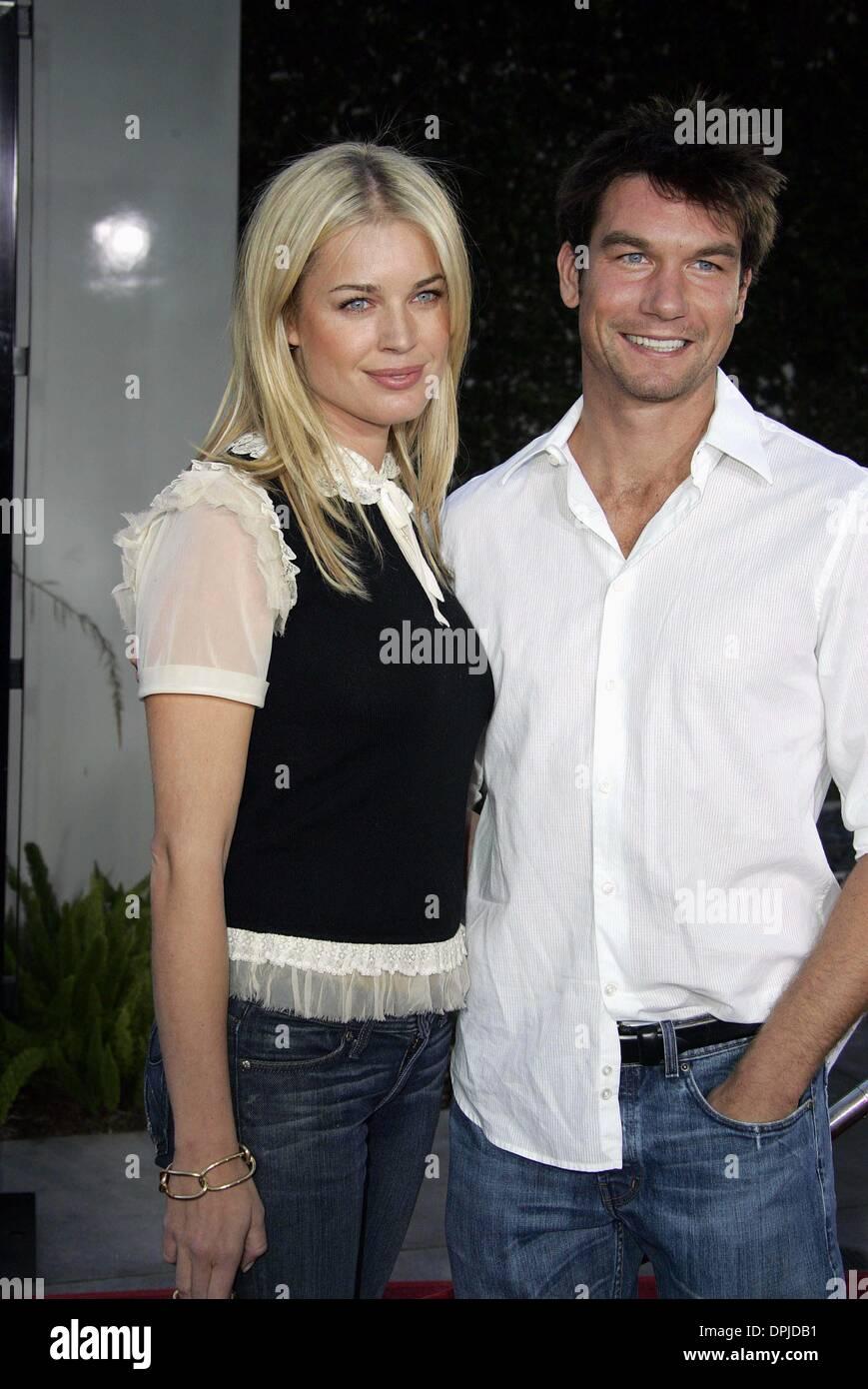 Dec 27 2005 Hollywood Los Angeles Usa Rebecca Romijn Jerry Stock Photo Alamy