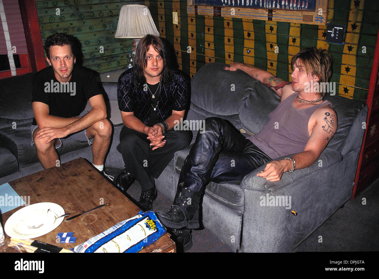 Mar  31, 2006 - K13198LR 09-09-1998 GOO GOO DOLLS AT MTV