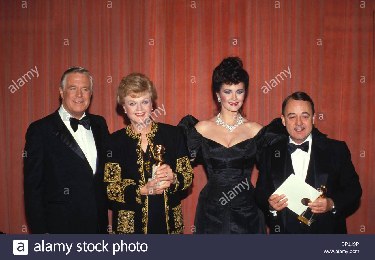 Sept. 26, 2006 - ANGELA LANSBURY WITH GEORGE PEPPARD , LYNDA CARTER AND JOHN HILLERMAN 1985. RALPH DOMINGUEZ-   F0432(Credit Image: © Globe Photos/ZUMAPRESS.com) - Stock Image