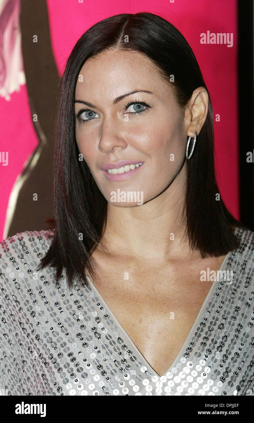 Oct. 24, 2006 - The Aldwych Theatre, LONDON, ENGLAND - LINZI STOPPARD.DAUGHTER OF MIRIAM STOPPARD.DIRTY DANCING;CLASSIC STORY ON STAGE PREMIERE.THE ALDWYCH THEATRE, LONDON, ENGLAND.24 October 2006.DIE19373.CREDIT:  -   K51014(Credit Image: © Globe Photos/ZUMAPRESS.com) - Stock Image