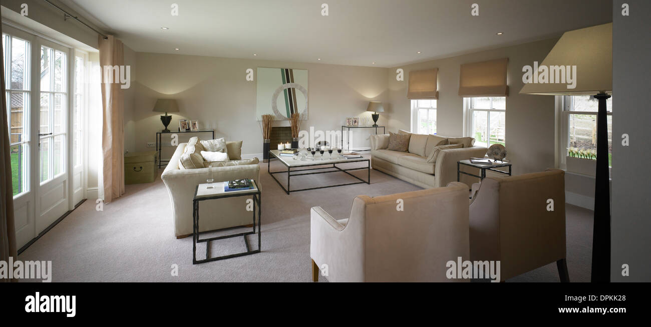 large lounges stock photos large lounges stock images alamy rh alamy com Plywood Chair Plans Plywood Furniture