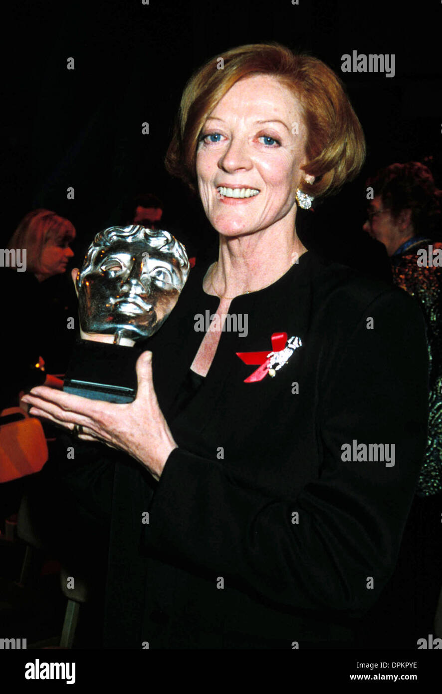 Dec. 28, 2005 - A10525.MAGGIE SMITH 1993 BAFTA AWARDS. DAVE BENETT-   GETTY IMAGES.MAGGIESMITHRETRO(Credit Image: © Globe Photos/ZUMAPRESS.com) - Stock Image