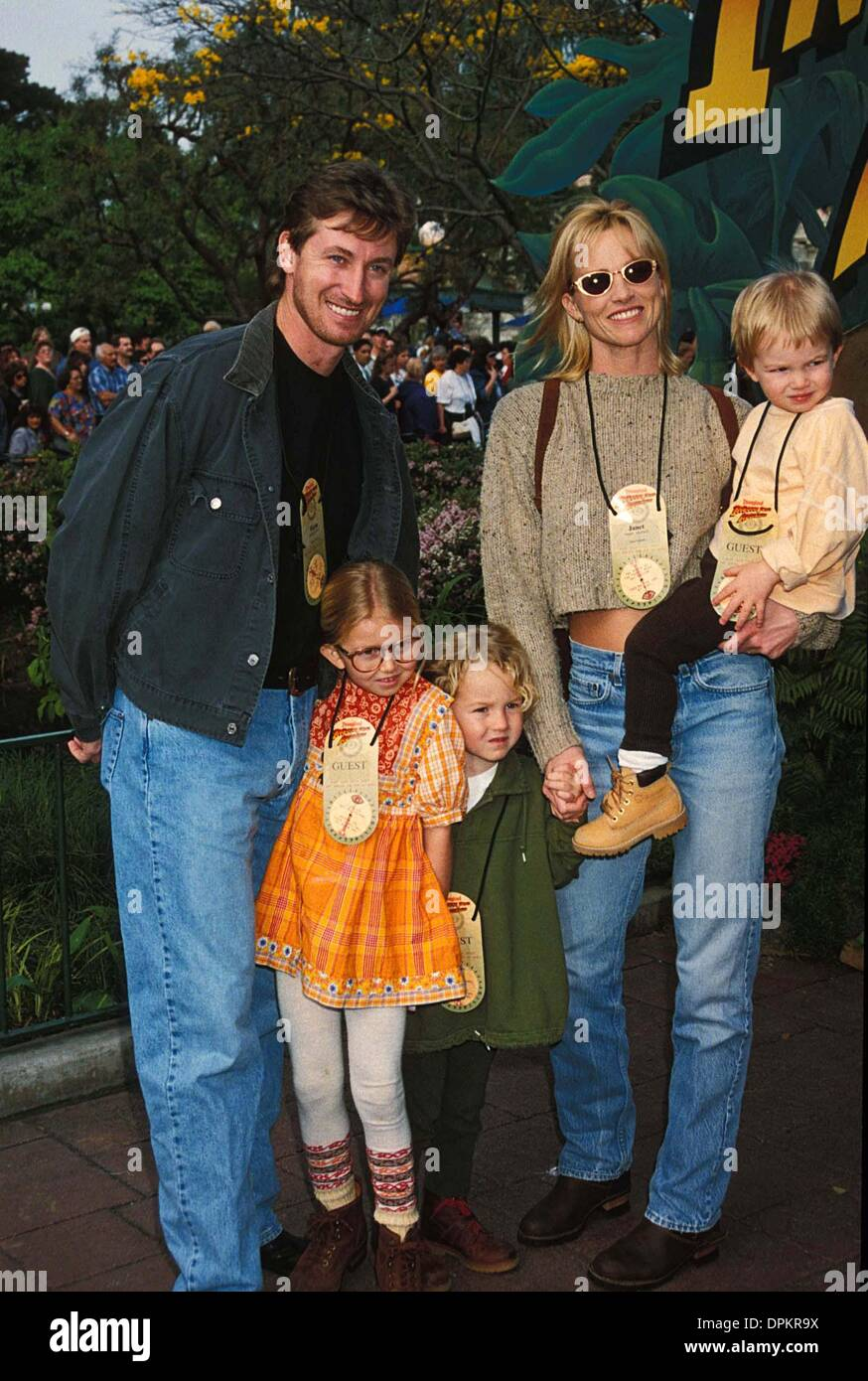 Feb. 14, 2006 - WAYNE GRETZKY WITH JANET JONES WITH THEIR KIDS AT NEW INDIANA JONES ADVENTURE RIDE.CREDIT BY DAVE Stock Photo