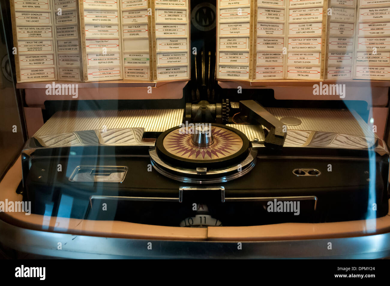 Vintage Jukebox Stock Photos & Vintage Jukebox Stock Images