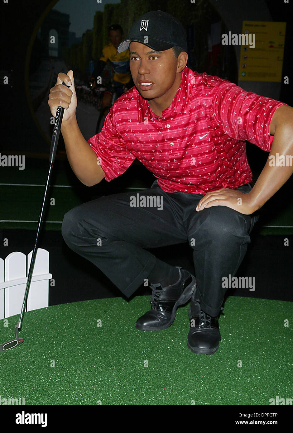Sept. 21, 2006 - K49944LCV.MADAME TUSSAUDS WAX MUSEUM UNVEILS THE TIGER WOOD WAX WORKSAT THE MADAME TUSSAUDS WAX MUSEUM TIMES SQUARE , NEW YORK CITY.09-21-2006. LCV-   2006.TIGER WOODS WAX WORKS(Credit Image: © Globe Photos/ZUMAPRESS.com) - Stock Image