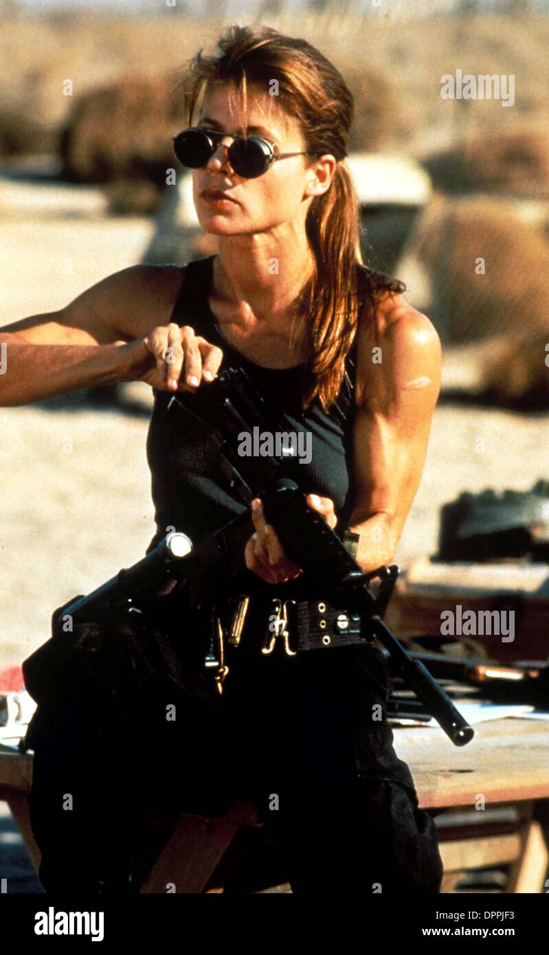 Jan. 31, 2006 - L1851.''Terminator 2''.Linda Hamilton. Suplied by (Credit Image: © Globe Photos/ZUMAPRESS.com) - Stock Image